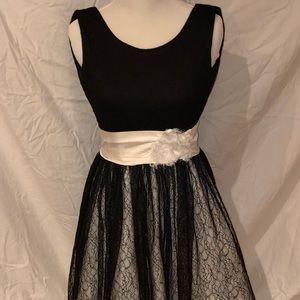 Zoe Ltd size 14 beautiful black dress